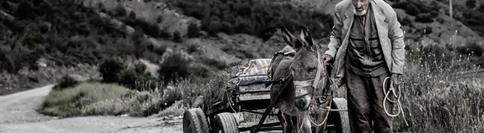insan-fotoğrafı-yaşam-siyah-beyaz-fotoğraf